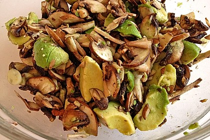 Geknofelter Zucchini-Champignon-Salat 1