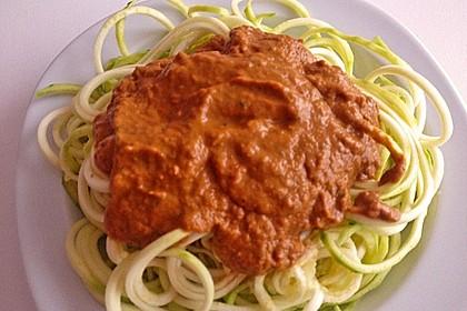 Rohkost Zucchini-Spaghetti mit rotem Pesto 2