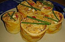 Gefüllte Pfannkuchen mit Thunfisch-Eier-Salat