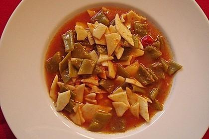 Bohnensuppe aus grünen Stangenbohnen