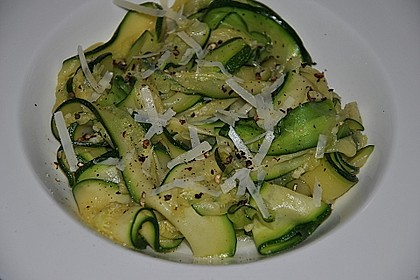 """Zucchini-Nudeln """"aglio e olio"""" 13"""