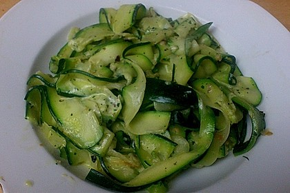 """Zucchini-Nudeln """"aglio e olio"""" 18"""