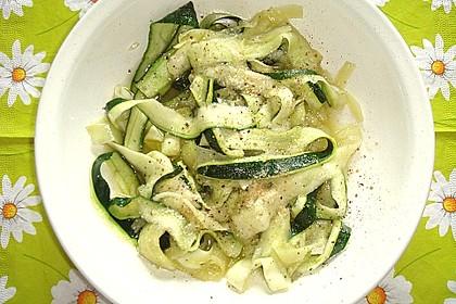 """Zucchini-Nudeln """"aglio e olio"""" 36"""