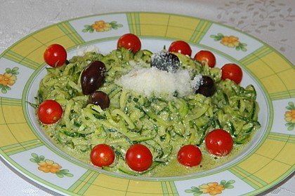 """Zucchini-Nudeln """"aglio e olio"""" 25"""