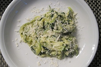 """Zucchini-Nudeln """"aglio e olio"""" 12"""