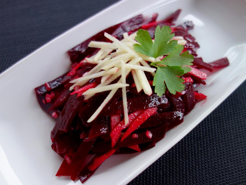 rote bete salat mit apfel und zwiebel rezept mit bild. Black Bedroom Furniture Sets. Home Design Ideas