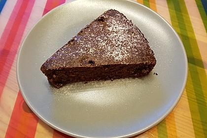 Low-Carb Haselnuss-Schokoladenkuchen mit Zucchini 5