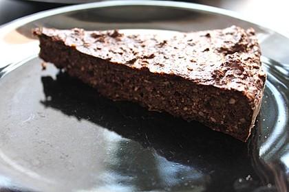 Low-Carb Haselnuss-Schokoladenkuchen mit Zucchini