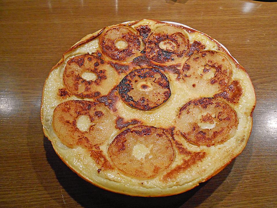 mehlpfannkuchen mit pfeln nach uromas art rezept mit bild. Black Bedroom Furniture Sets. Home Design Ideas