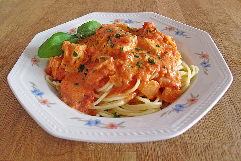 spaghetti mit lachs sahne so e rezept mit bild. Black Bedroom Furniture Sets. Home Design Ideas