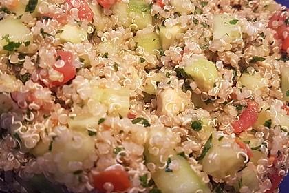 Quinoa Powersalat mit Tomaten und Avocado 32
