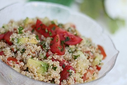 Quinoa Powersalat mit Tomaten und Avocado 13