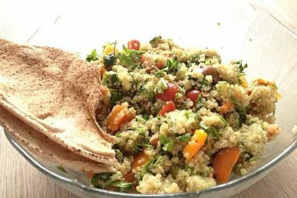 Quinoa Powersalat mit Tomaten und Avocado 28