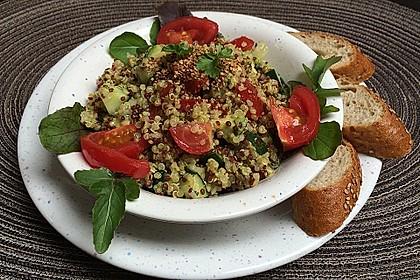 Quinoa Powersalat mit Tomaten und Avocado 10