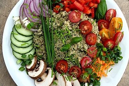 Quinoa Powersalat mit Tomaten und Avocado 4