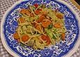 Spaghetti mit Gemüse aus der Pfanne