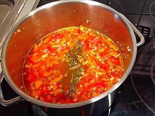paprika schalotten suppe rezept mit bild von k gelchen74. Black Bedroom Furniture Sets. Home Design Ideas