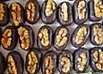 Marzipan-Pralinen mit Walnüssen