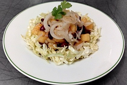 Smokeys Spitzkohl-Kidneybohnen-Salat