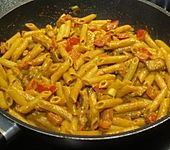 Curry-Hähnchen-Nudelpfanne mit Erdnüssen