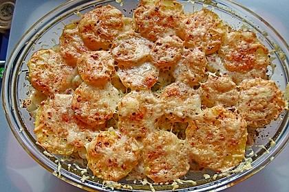 Kartoffel-Blumenkohl Auflauf mit Bratwurst-Hack