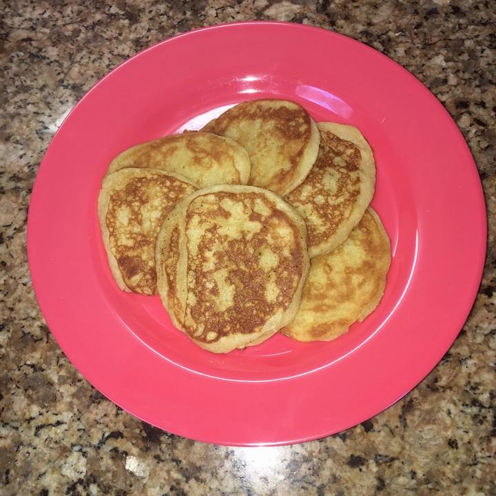 joghurt pancakes mit himbeer holundersauce rezept mit bild. Black Bedroom Furniture Sets. Home Design Ideas