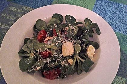 Salat mit Feigen-Senf-Dressing