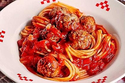 Mozzarella-Basilikum-Fleischbällchen in Tomaten-Chianti-Sauce