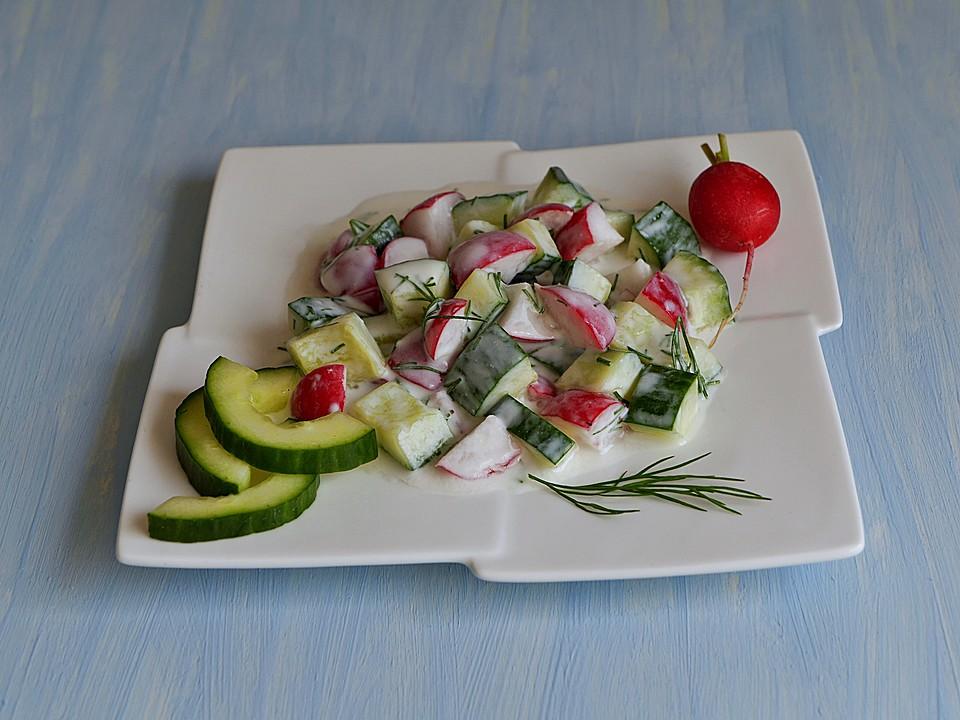 gurken radieschen salat mit einem erfrischendem jogurthdressing von nayru. Black Bedroom Furniture Sets. Home Design Ideas