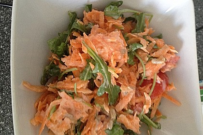 Möhrensalat mit Tomaten-Joghurt-Dressing 5