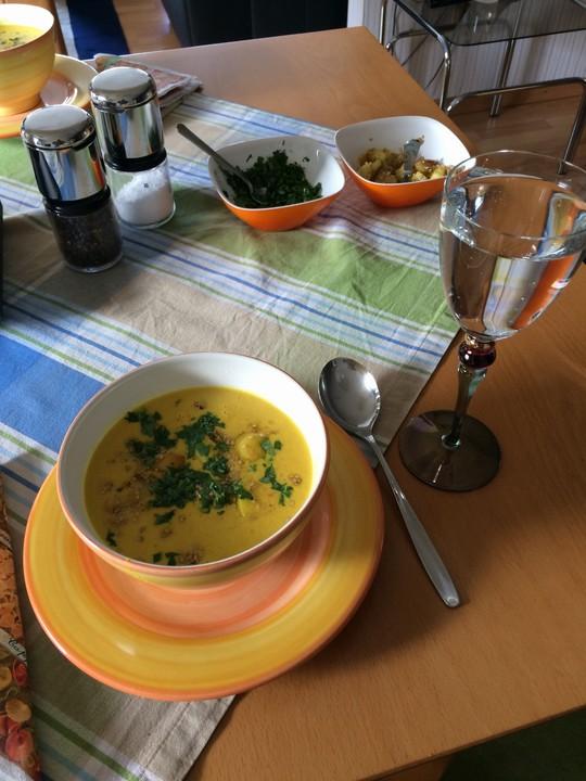 curry kokos suppe mit ingwer rezept mit bild von. Black Bedroom Furniture Sets. Home Design Ideas