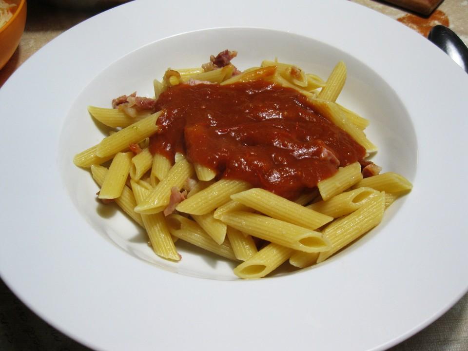 sahnige tomatensauce mit nudeln f r den schnellen hunger rezept mit bild. Black Bedroom Furniture Sets. Home Design Ideas