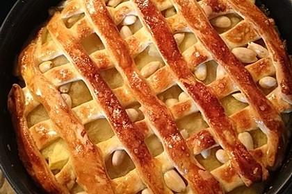Apfelmus-Kuchen mit Hefeteig
