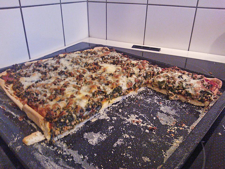 hackfleisch spinat pizza rezept mit bild von danne7819. Black Bedroom Furniture Sets. Home Design Ideas