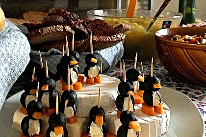 Oliven-Ziegenkäse-Pinguine 4
