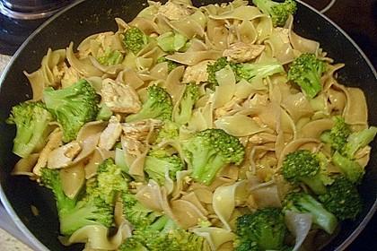 Nudeln mit Lachs - Brokkoli - Sauce 7