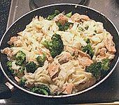 Nudeln mit Lachs - Brokkoli - Sauce (Bild)
