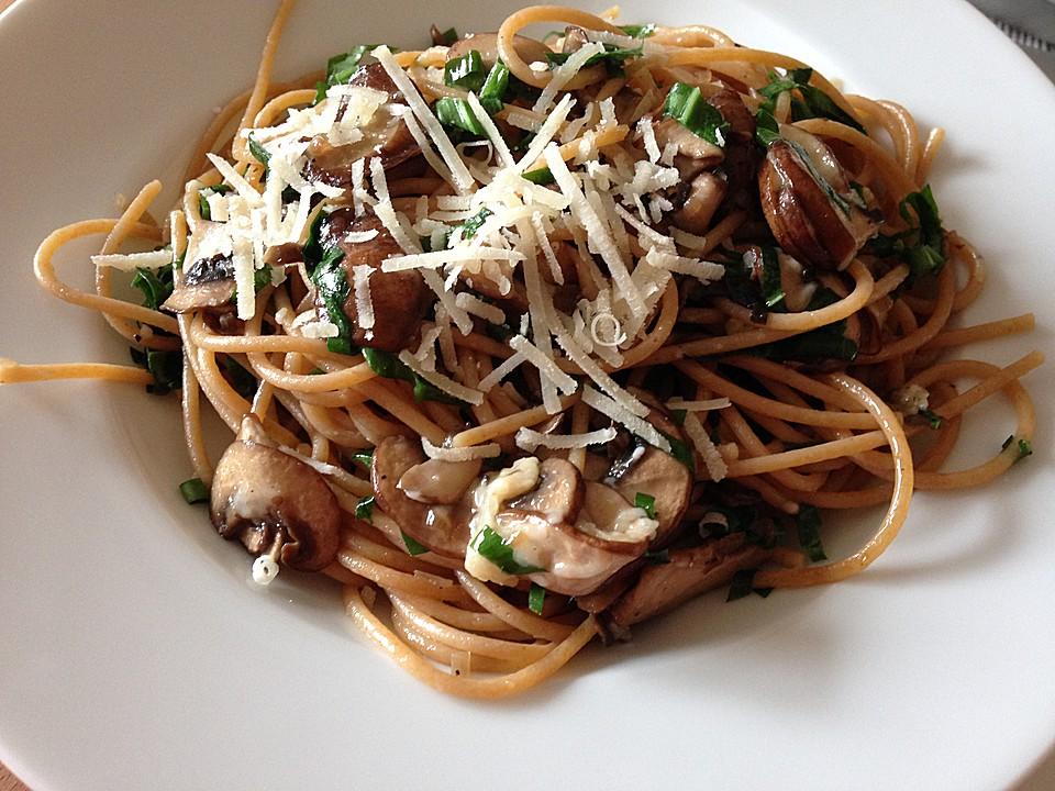 spaghetti bolognese mit champignons rezepte suchen. Black Bedroom Furniture Sets. Home Design Ideas