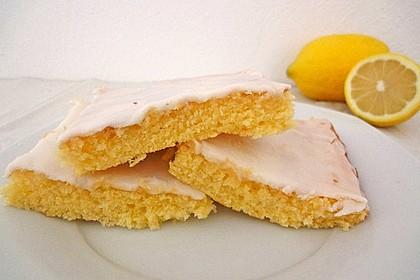 Schneller Zitronenkuchen auf dem Blech 2