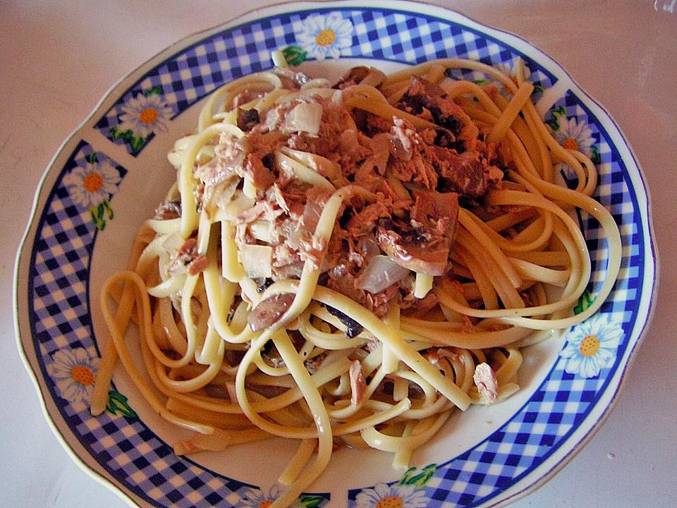 spaghetti mit thunfisch champignons und sahne rezept mit bild. Black Bedroom Furniture Sets. Home Design Ideas