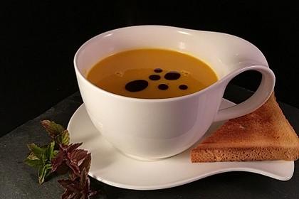 Kürbissuppe mit Ingwer und Kokosmilch 4
