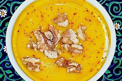 Kürbissuppe mit Ingwer und Kokosmilch 205
