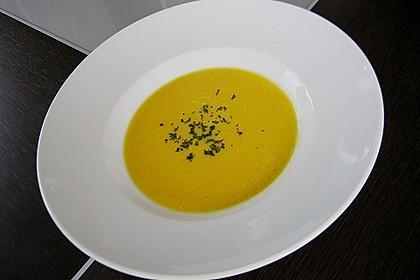 Kürbissuppe mit Ingwer und Kokosmilch 105
