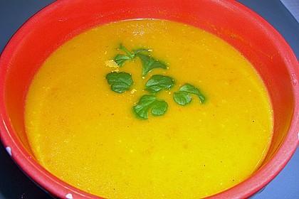 Kürbissuppe mit Ingwer und Kokosmilch 137