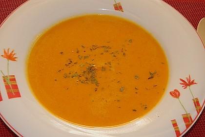 Kürbissuppe mit Ingwer und Kokosmilch 163