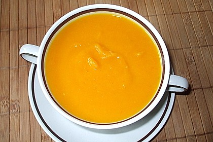 Kürbissuppe mit Ingwer und Kokosmilch 136