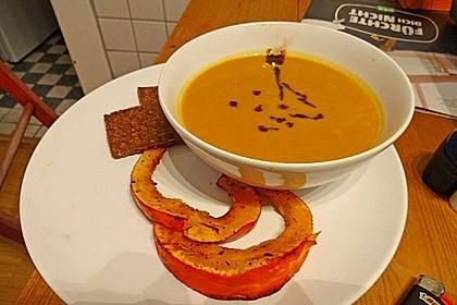 Kürbissuppe mit Ingwer und Kokosmilch 127