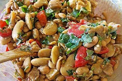 Salat mit bohnen und paprika