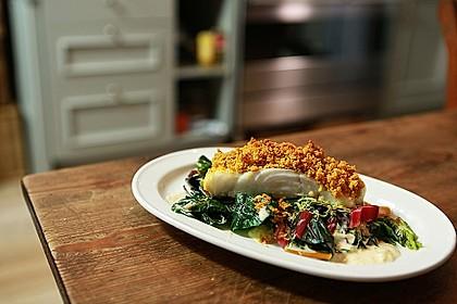 Fisch mit Curry-Kräckerkruste