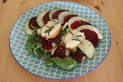 Rote Bete-Apfelsalat mit Ziegenkäse-Crostini 10